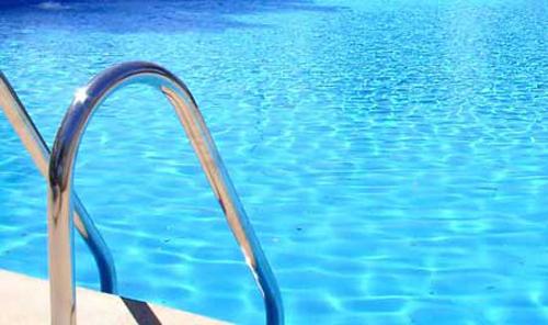 Increment d 39 usuaris i abonaments a la piscina municipal d for Piscina olesa de montserrat
